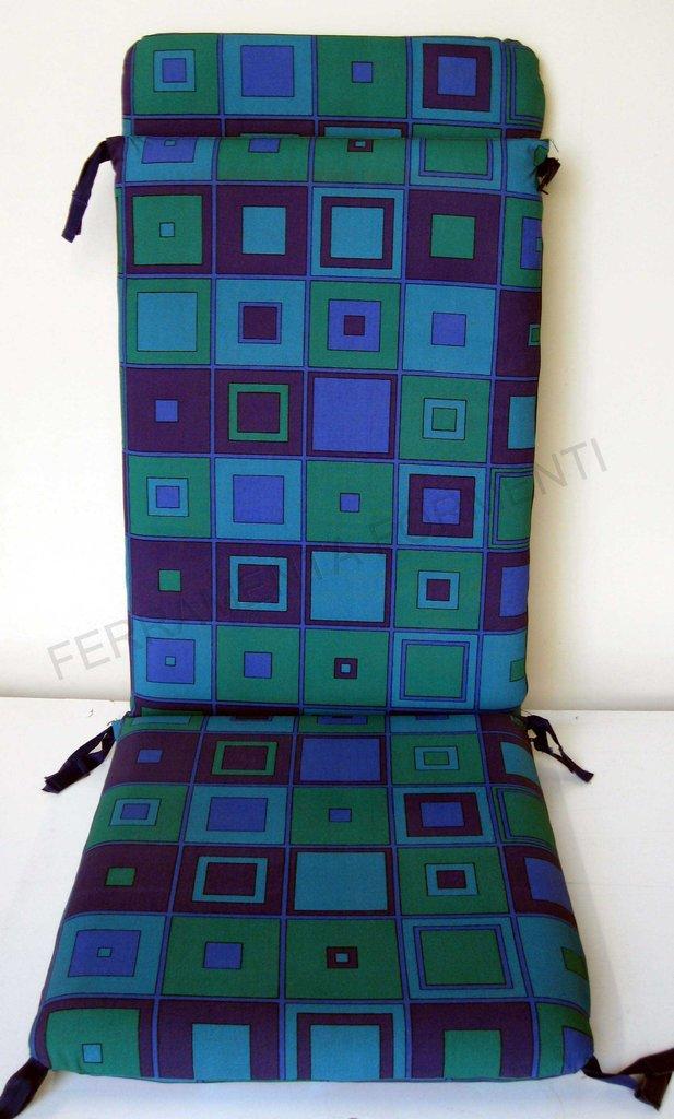 Cuscino fantasia quadri blu per lettino sdraio poltrona for Reguitti mobili da giardino