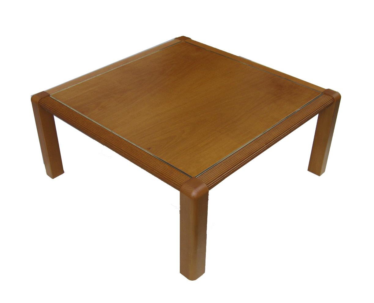 Tavolo in legno tinta noce chiaro for Tavolo rotondo legno chiaro