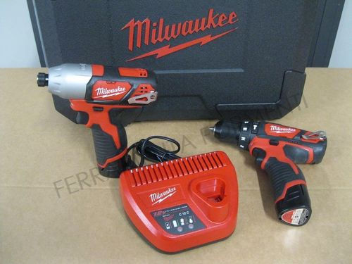 Milwaukee M12BPP2F-152C - kit 12V trapano con percussore + avvitatore impulsi, caricatore 3 batterie