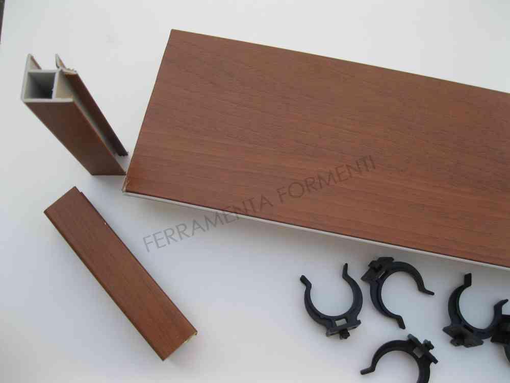 4 metri, h. 12 cm, zoccolino per mobile cucina in pvc colore NOCE